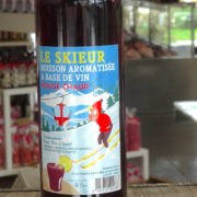 vin chaud etiquette savoie skieur